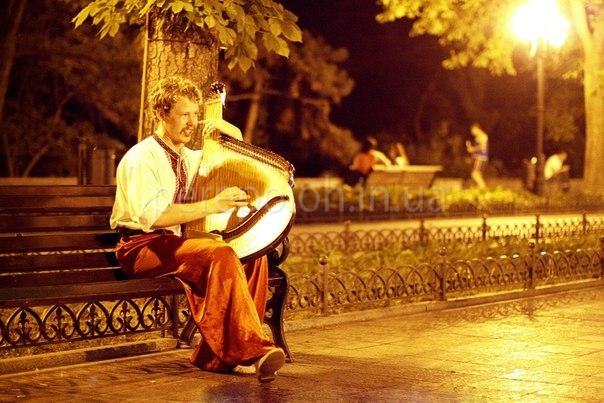 бандурист в Одессе, живая музыка в Одессе, музыканты Одессы.