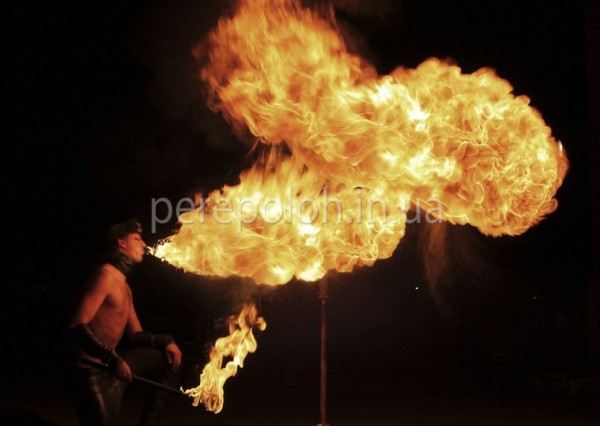 фаер-шоу в Одессе, заказать фаер-шоу в Одессе, огненное шоу в Одессе, заказать огненное шоу в Одессе, огненное шоу на праздник в Одессе, фаер-шоу на свадьбу, огненное шоу на день рождение