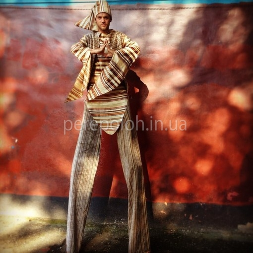 ходулисты в Одессе, заказать ходулистов в Одессе, услуги ходулистов в Одессе, ходулисты на праздник в Одессе, заказать артистов на ходулях, мимы в Одессе