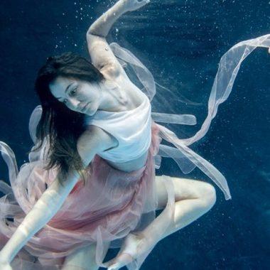 Фотосессии под водой работа модели тверь