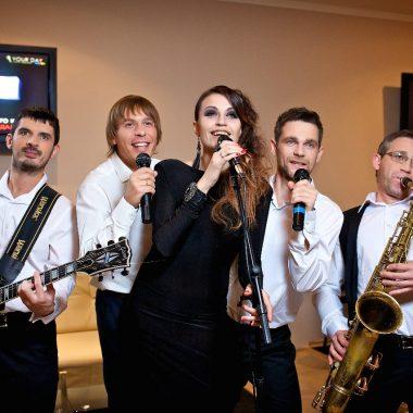 Кавер-группа исполняющая версии популярных хитов в оригинальных интерпретациях в Одессе, кавер-группа, музыкальная группа, кавер-бенд