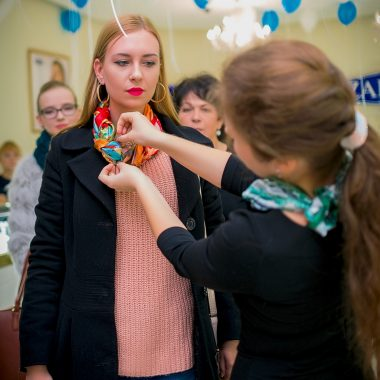 Tying scarves master class in Odessa