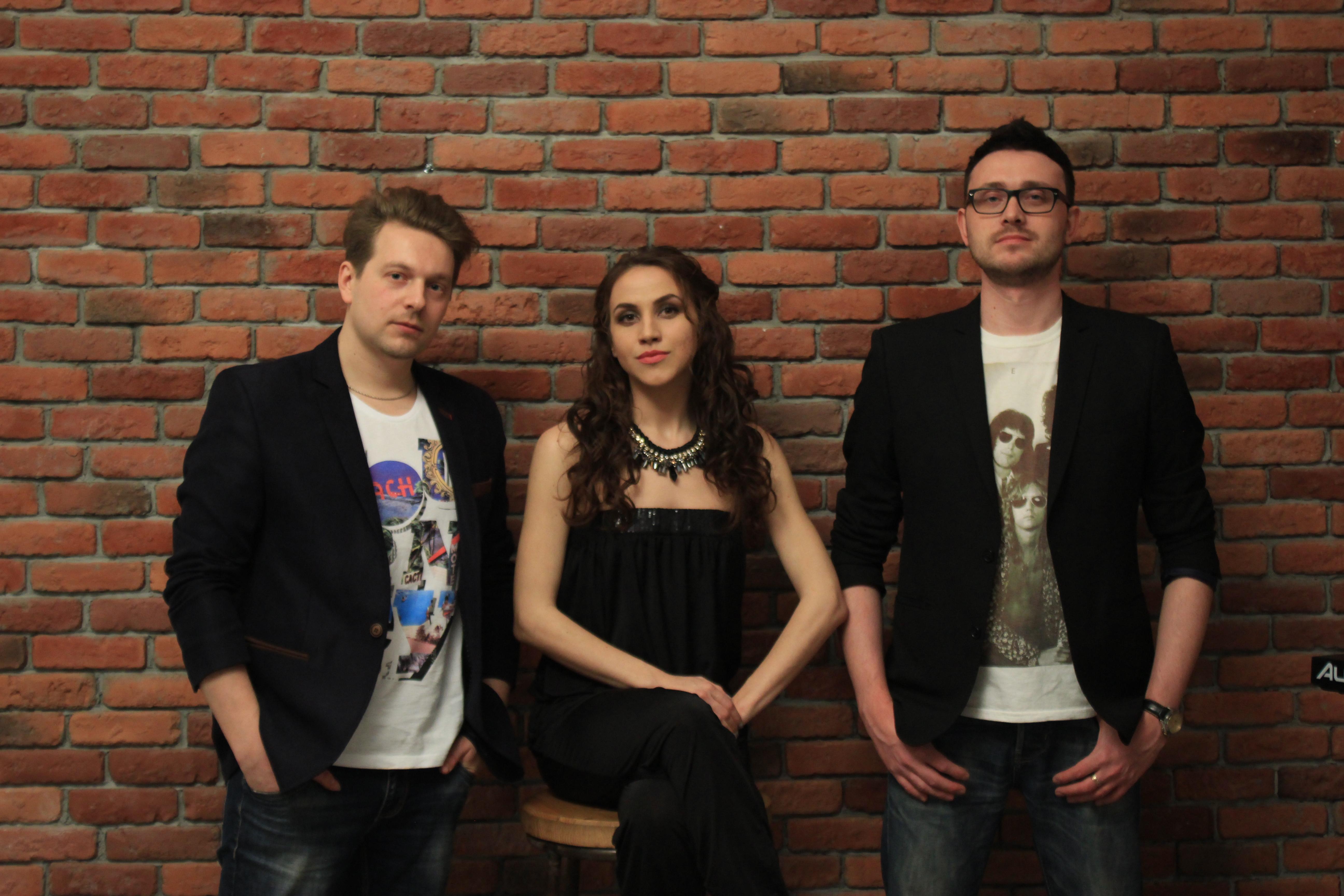 музыкальная группа Одесса, живая музыка в Одессе, вокалистка на мероприятие в Одессе